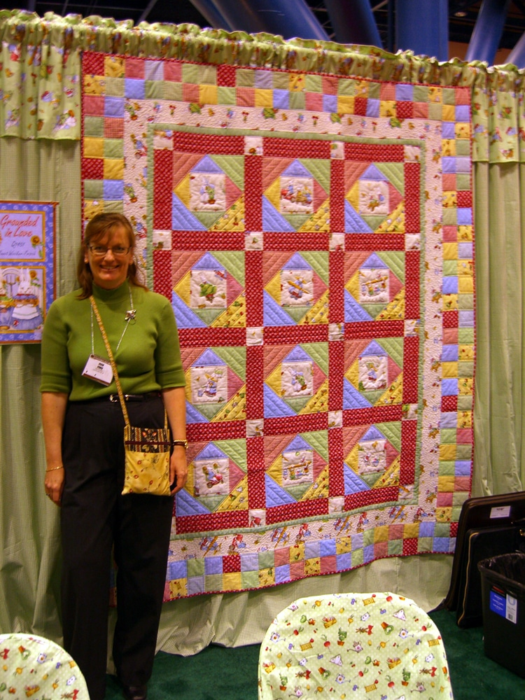 Joan Ford with her quilt
