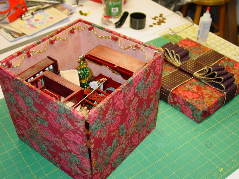 miniature quilt room in a box lazy girl designs. Black Bedroom Furniture Sets. Home Design Ideas
