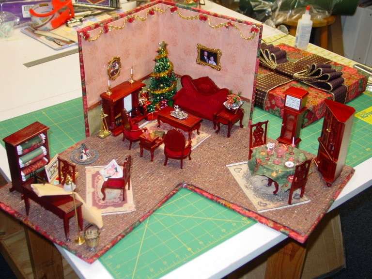 Miniature quilt room in a box lazy girl designs Miniature room boxes interior design