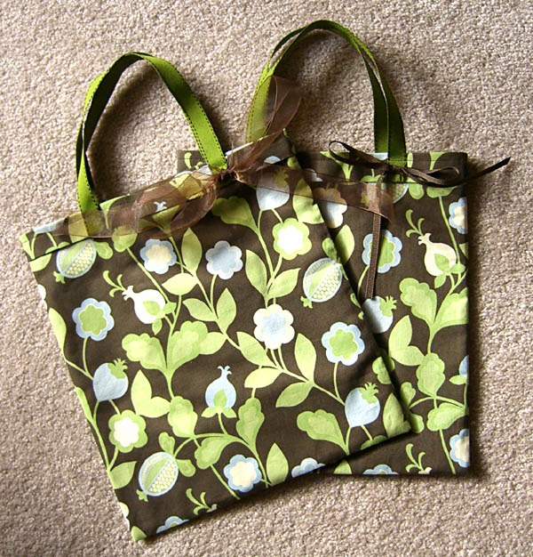 Make Our 1 Yard, 1 Hour Free Tote Bag - Lazy Girl Designs