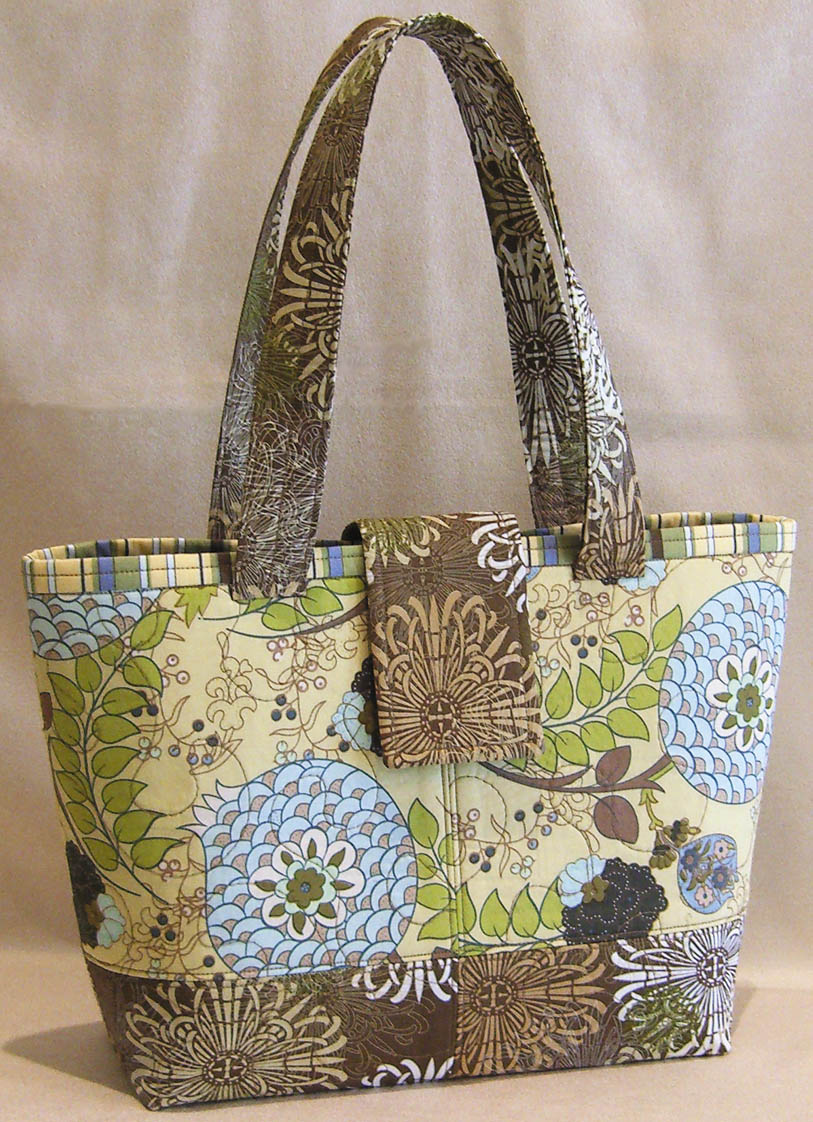 Pursepatterns : ... Girl Designs ? New Pattern: Mini Miranda Bag Debuts at Quilt Market
