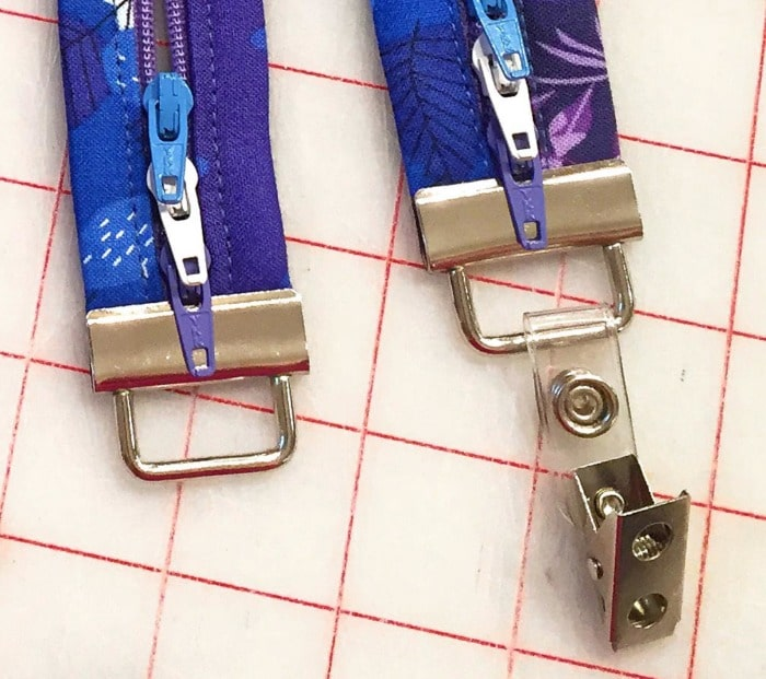 Add a badge holder clip to the key fob hardware to create a Fobio Badge Lanyard. #LazyGirlDesigns LGD137