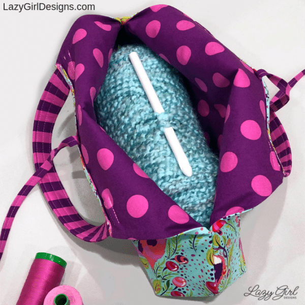 Easy sewing pattern for project bag to hold yarn